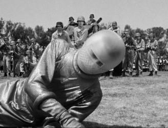 The Day the Earth Stood Still - Klaatu injured 2