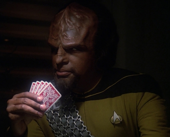 Worf_plays_cards
